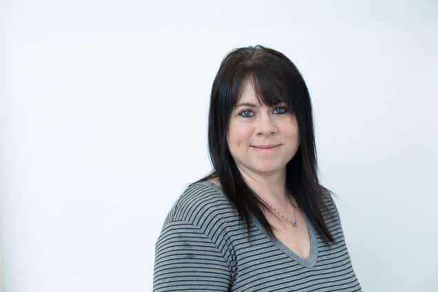 Julie Durling : Business Manager